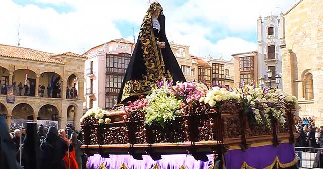 Procesiones de Semana Santa en Zamora (Plaza Mayor)