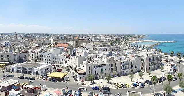 pueblos de mar bonitos cerca de Bari