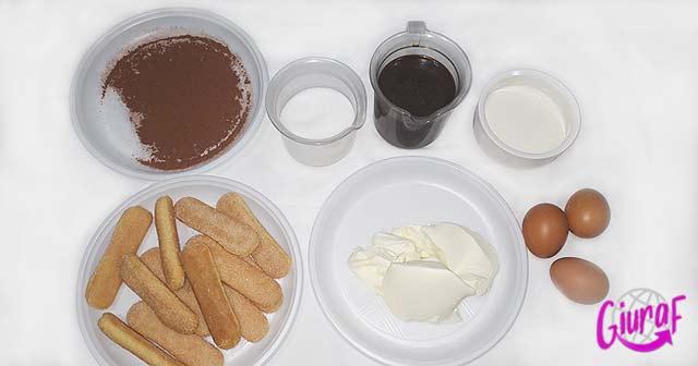 Ingredientes para el tiramisú casero Postre italiano típico fácil