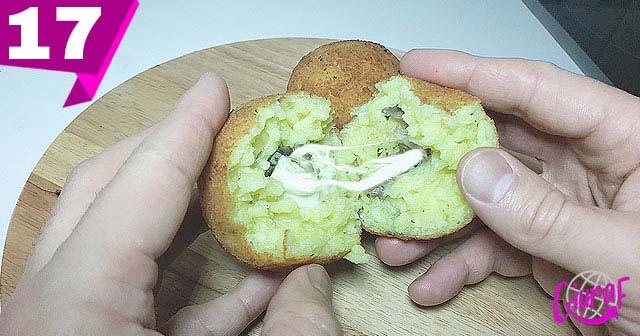 Croqueta de arroz con champiñones y queso mozzarella Sicilia Italia