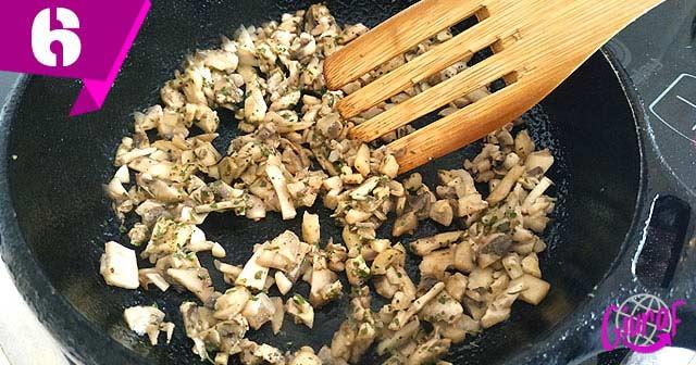 champiñones fritos para hacer croquetas italianas
